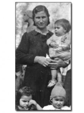 με τη θεία Γεωργία, Μπούντισοφ (Τσεχοσλοβακία), 1949
